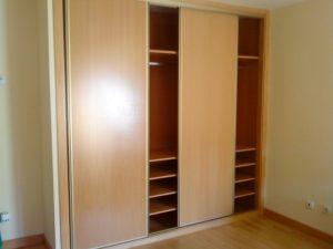 armario empotrado vestido