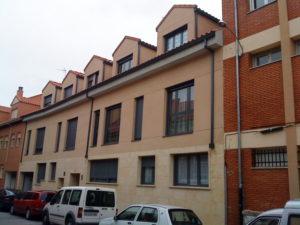 fachada oeste a calle desde el sur