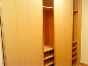 atico a armario en vestibulo